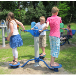outdoor fitnesstoestellen in speeltuin 't Bruggert in Enschede