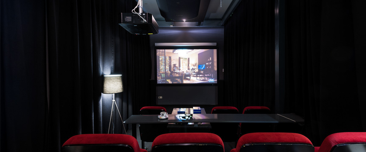 Home-Cinema beamer showroom van TheNextShop