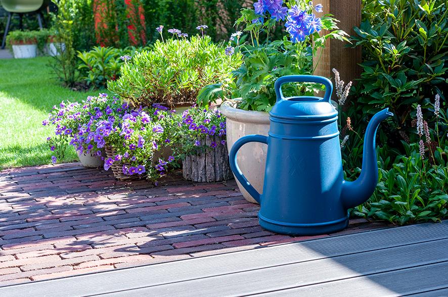 Uitgelicht - Een klassieke tuin met kunstzinnige elementen