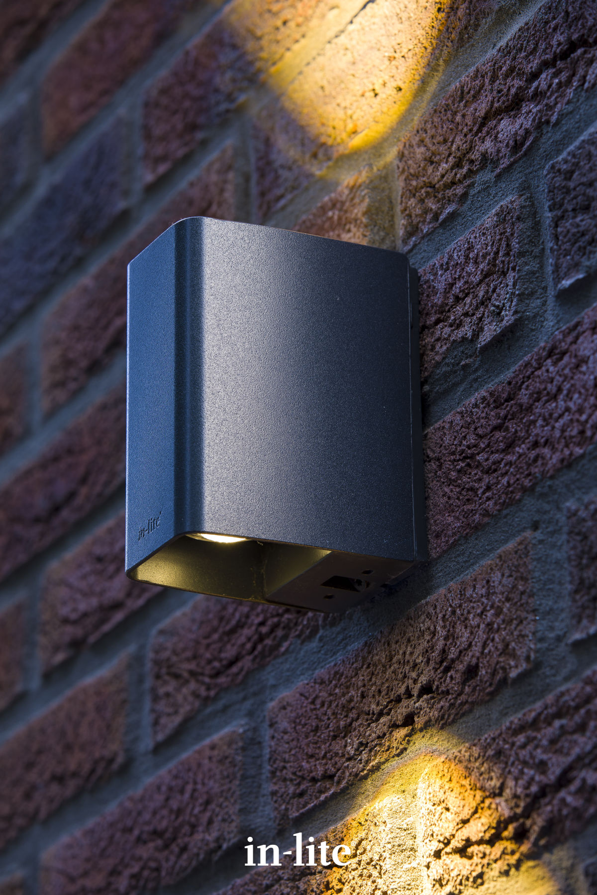 Laat je huis opvallen met tuinverlichting van In-Lite