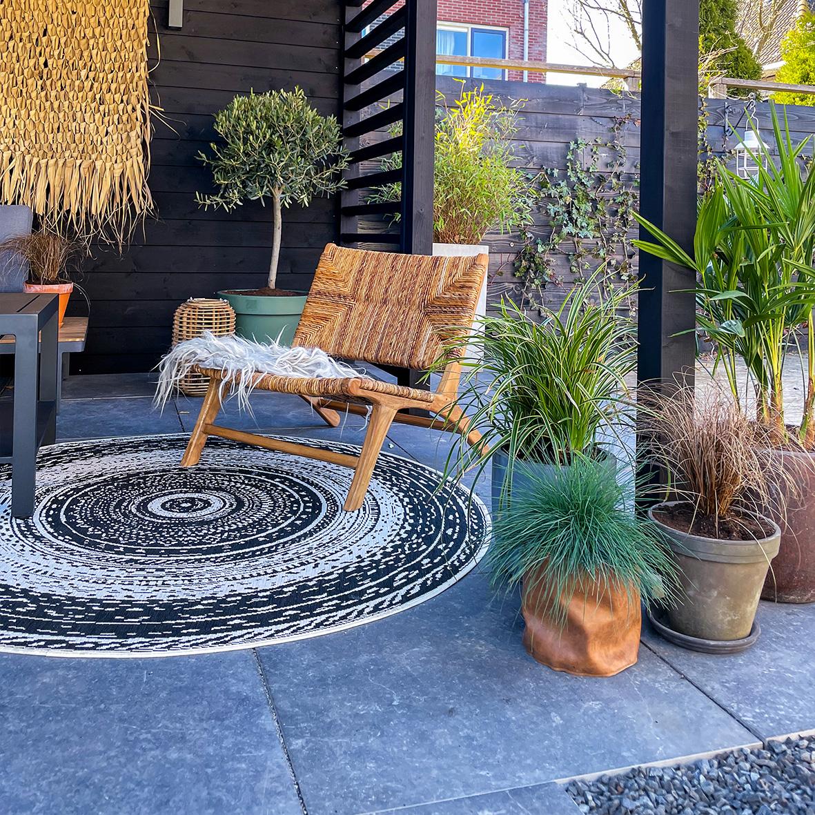 Een nieuw Gardenlux terras voor Michèle