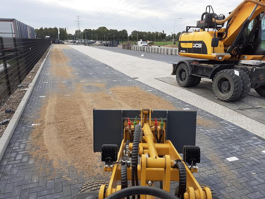 Infra project TeBi Bestratingsmaterialen Groot infrawerk en bestrating parkeerplaats in Wehl